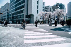 每個選擇都是個分叉路 每個街道都能看見不同的風景